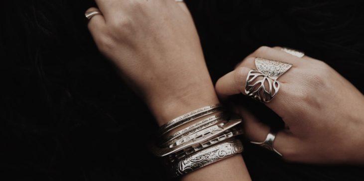 Ασημένια κοσμήματα – Τείνουν να αντικαταστήσουν τον χρυσό;