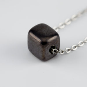 ground cube necklace silver ceramic mond jewels