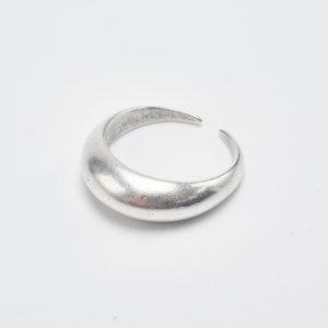 curvy silver ring plain